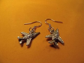 Flygplan örhängen / fighter plane earrings