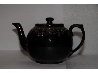 RETRO TheKanna i svart keramik från England - Trelleborg - RETRO TheKanna i svart keramik från England - Trelleborg