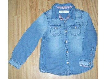Jättesöt mjuk jeans skjorta stl 122 - Torshälla - Jättesöt mjuk jeans skjorta stl 122 - Torshälla