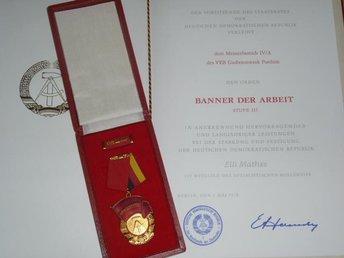 DDR. Order of the Banner of Labor 3 grader med urkund. - Nuernberg - DDR. Order of the Banner of Labor 3 grader med urkund. - Nuernberg