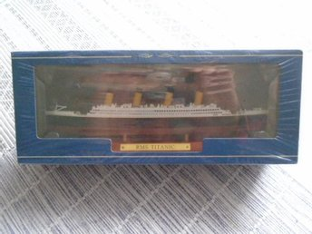 RMS Titanic Model Atlas Collection