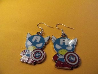 Captain America örhängen / Captain America earrings