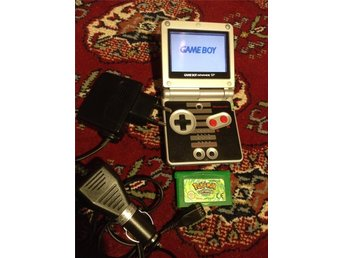 Game Boy Advance SP NES Edition+Pokemon Leafgreen