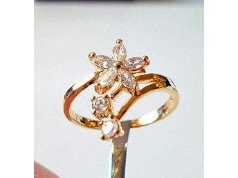 10 k gult guldfylld ring med cubic zirkonia, strl ca 17.5 - Märsta - 10 k gult guldfylld ring med cubic zirkonia, strl ca 17.5 - Märsta
