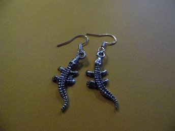 Krokodil örhängen / crocodile earrings