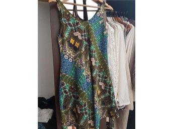 Aztec mönstrad klänning - Hyssna - Aztec mönstrad klänning - Hyssna