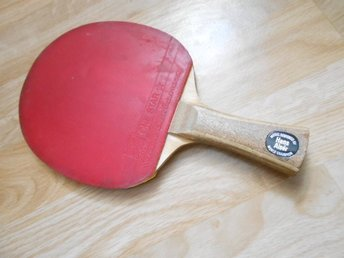 Stiga bordtennisracket one star by Hans Alser i bra skick