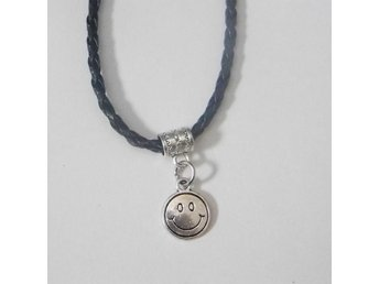 Lyckligt ansikte halsband / Smiley face necklace