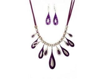 Exklusivt handgjort halsband silver lila - Hultsfred - Exklusivt handgjort halsband silver lila - Hultsfred