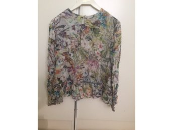 Blommig Rodebjer blus xs