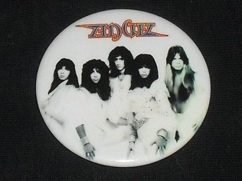 ANGEL - Sinful - STOR Badge / Pin / Knapp (Kiss, Casablanca, 70-tal, Giuffria,)