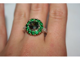Fashion Women Silver Emerald Ring Wedding Engagement Jewelry Size 18