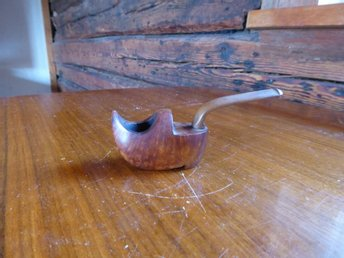 Pipa. Made in France. Genuine Briar