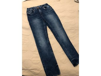 Snygga Lindex jeans m normal passform strl 170