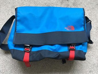 The North Face bag messenger