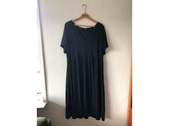 52d886b1cd7a Klassisk klänning Black Story storlek XL (346815434) ᐈ Köp på Tradera