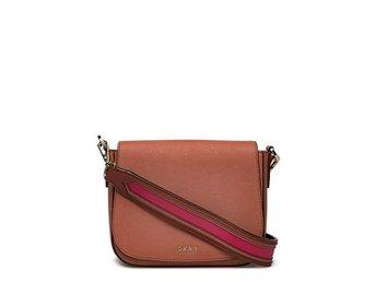 Helt ny DKNY väska Ord.pris 2549kr (397859475) ᐈ Köp på
