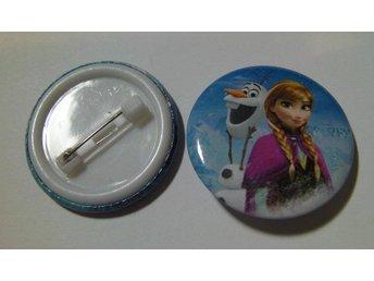 Nålknapp/Pins 3 cm Frost/Frozen Anna och Olaf nr 7 ** 1 st ** - Hovmantorp - Nålknapp/Pins 3 cm Frost/Frozen Anna och Olaf nr 7 ** 1 st ** - Hovmantorp