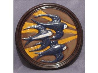 Retro keramiktavla med svalor. - Växjö - Retro keramiktavla med svalor. - Växjö