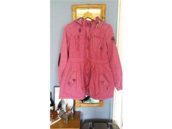 Jättefin rosa jacka i fint skick från Bondelid i stl S - Sollentuna - Jättefin rosa jacka i fint skick från Bondelid i stl S - Sollentuna