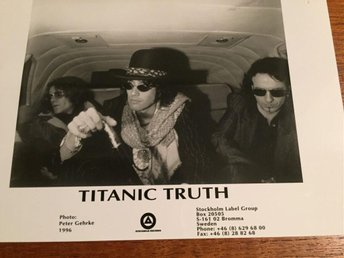 Conny Blooms - Titanic Truth 1996   18x 13 cm Sv/vit VERY RARE