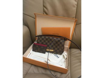 Louis Vuitton favorite med card holder