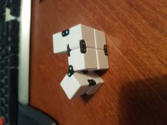 Anti stress cube. Mycket bättre än fidget spinners. - Partille - Anti stress cube. Mycket bättre än fidget spinners. - Partille