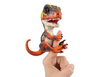 Fingerlings Untamed Raptor Blaze