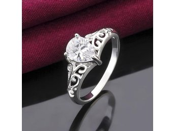 Kvinnor 925 silverpläterade ring Klassisk Hollow Carving Teardrop Gem storlek 8
