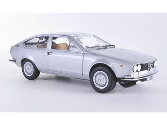 Alfa Romeo Alfetta GT 1,8 - 1974 (1:24) silver - Haparanda - Alfa Romeo Alfetta GT 1,8 - 1974 (1:24) silver - Haparanda