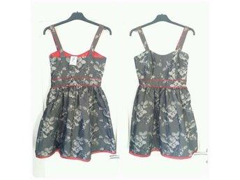 Ny läcker Rockabilly klänning stl XS från Sophisticwomen! - Skara - Ny läcker Rockabilly klänning stl XS från Sophisticwomen! - Skara
