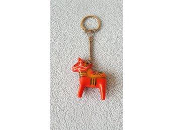 nyckelring - dalahäst - häst form. (327758985) ᐈ Köp på Tradera bbc71bed7cb5d