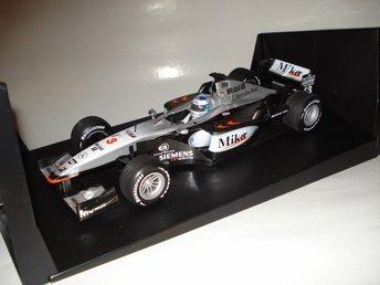 Minichamps 1:18 F1 McLaren MP4-16 #3 Mika Häkkinen 2001 - Lindås - Minichamps 1:18 F1 McLaren MP4-16 #3 Mika Häkkinen 2001 - Lindås