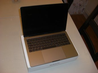 "MacBook Pro 13"" Mid2017 *DEFEKT*"