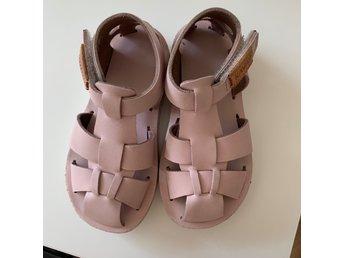 KAVAT sandal i storlek 24 sandaler rosa byske (400384866