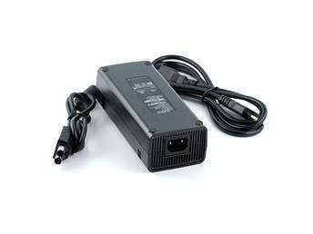 Xbox 360 Slim AC-adapter.