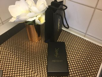 Yves Saint Laurent YSL liten box.