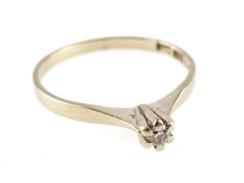 RING, 18K, Ø 17,16mm, 1,60g, 0,05ct, briljant, vitguld, b: 1,6-3,7mm.