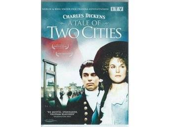 CHARLES DICKENS - A TALE OF TWO CITIES  (SVENSKT TEXT )