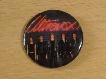 ULTRAVOX -Stor Button Badge / Pin / Knapp (1977, Punk, John Foxx, Roxy,)