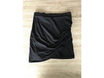 Kjol från Gina Tricot strl L, omlott, basic, festlig - Tvärred - Kjol från Gina Tricot strl L, omlott, basic, festlig - Tvärred