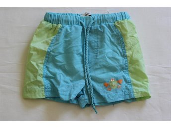 Badshorts från name it med krabba stl 62