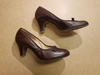 Vintage Retro Damskor i brunt skinn Pumps stl 36 37 Red Cross Shoes