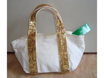 68357a21d1a1 Mycket finn bag canvas guld paljett från United Color of Benetton