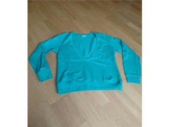 Sweatshirt strl L, Gina Tricot. Se bild 2 för rättvisande färg! - Tingsryd - Sweatshirt strl L, Gina Tricot. Se bild 2 för rättvisande färg! - Tingsryd