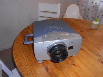 LCD projektor Canon LV-7555 XGA 1280x1024 Native 1024x768 i fint skick - Bromma - LCD projektor Canon LV-7555 XGA 1280x1024 Native 1024x768 i fint skick - Bromma