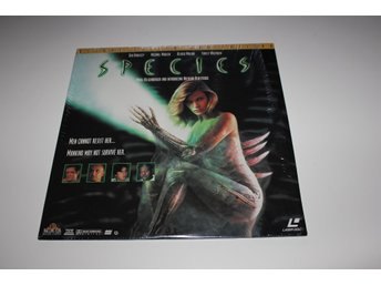Species laser disc film i fint skick