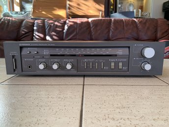 Vintage Pioneer SX-303 Stereo AM/FM Receiver (1983-85)