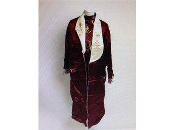 Set klänning/byxor/jacka st L rödvit brodering vacker blank - Borås - Set klänning/byxor/jacka st L rödvit brodering vacker blank - Borås
