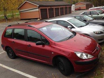 Bil - Peugeot 307 - årsmodell 2002 - röd - kombi - Falun - Bil - Peugeot 307 - årsmodell 2002 - röd - kombi - Falun